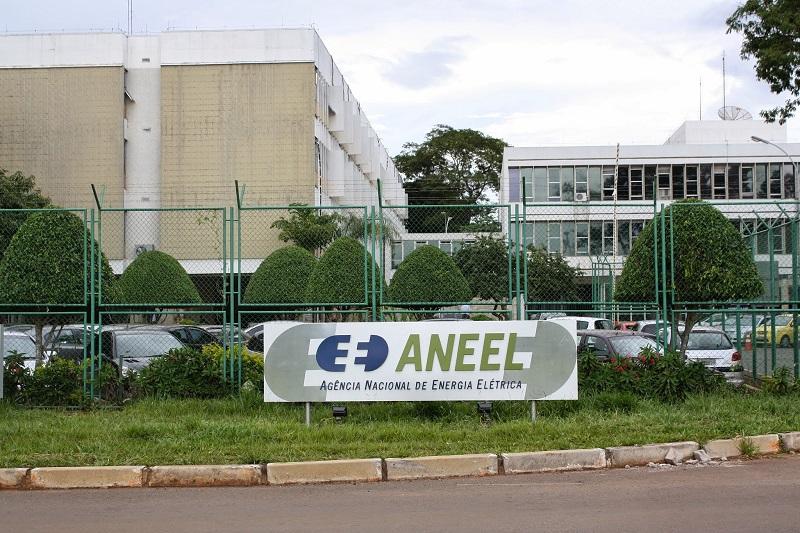 Aneel vai reduzir burocracia para facilitar instalação de sistema solar em residência