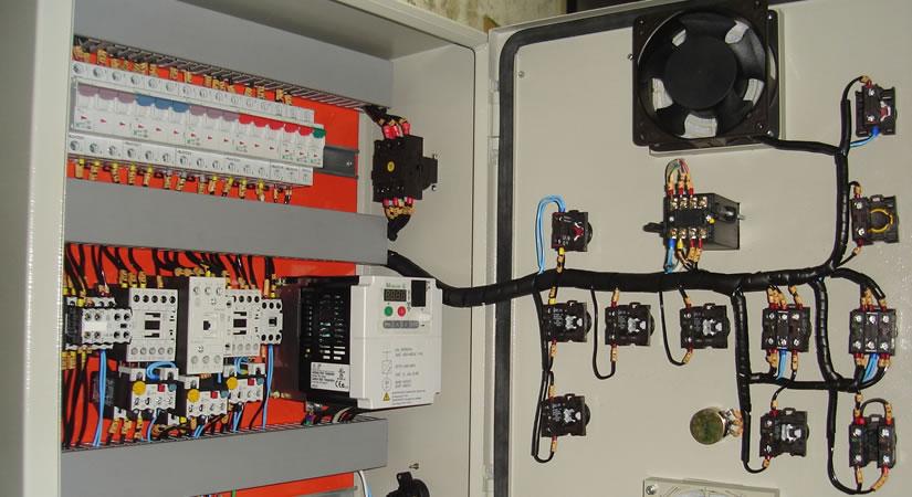 Quadros de Comandos Elétricos